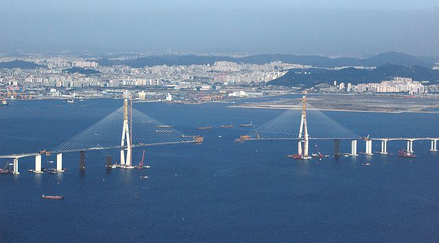 640px-Incheon_Bridge_under_construction.jpg